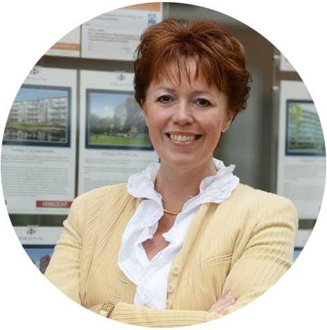 Esther Offringa van makelaarskantoor De Bruyn en Tak Makelaardij in Voorburg werkt al 28 jaar in de makelaardij. Esther heeft een heel eigen kijk op hoe je voor kunt lopen op je concullega's.